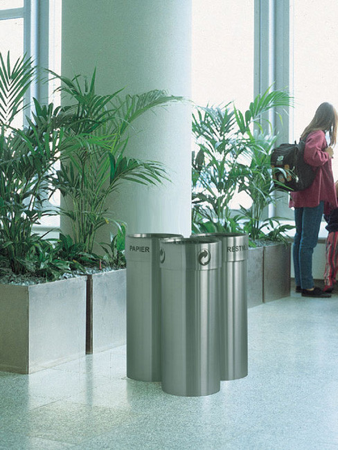SN-303 Litter Separation System with 3 sections