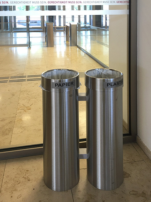 SN-312 Litter Separation System with 2 sections in same height row unit