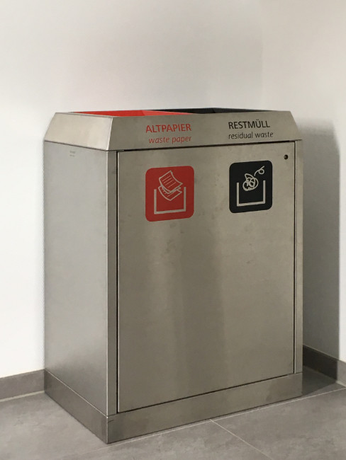 SN-272 Litter Separation Unit with 2 sections made of stainless steel