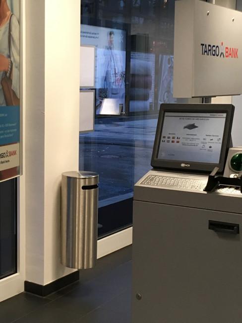 SN-108 Sicherheitsabfallbehälter im Bankbereich mit Wandhalter