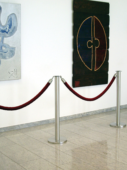 SN-710 with velvet rope in claret